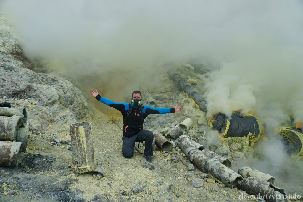 Azufre en el cráter del Ijen
