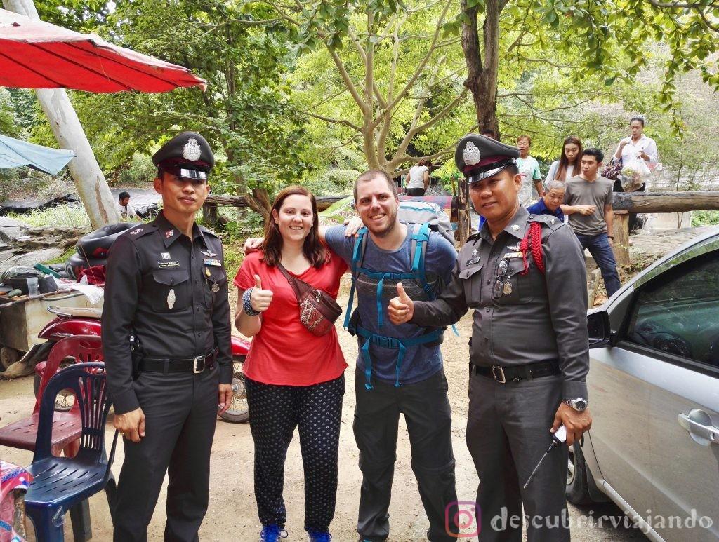 Policías en Mae Klang