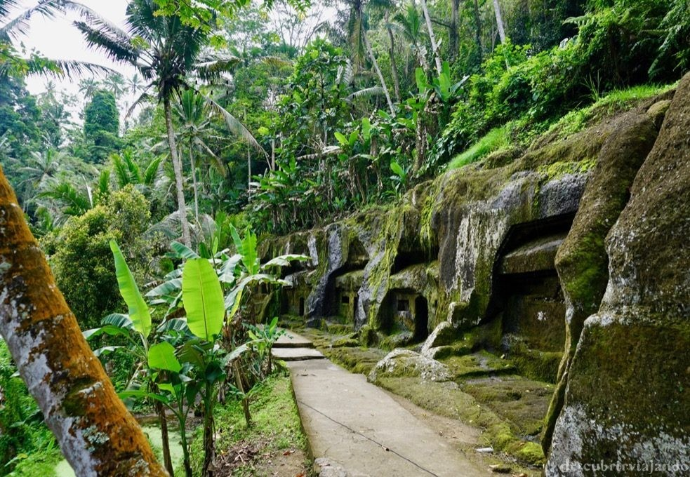 Gunung Kawi Tampaksiring Ubud camino lateral