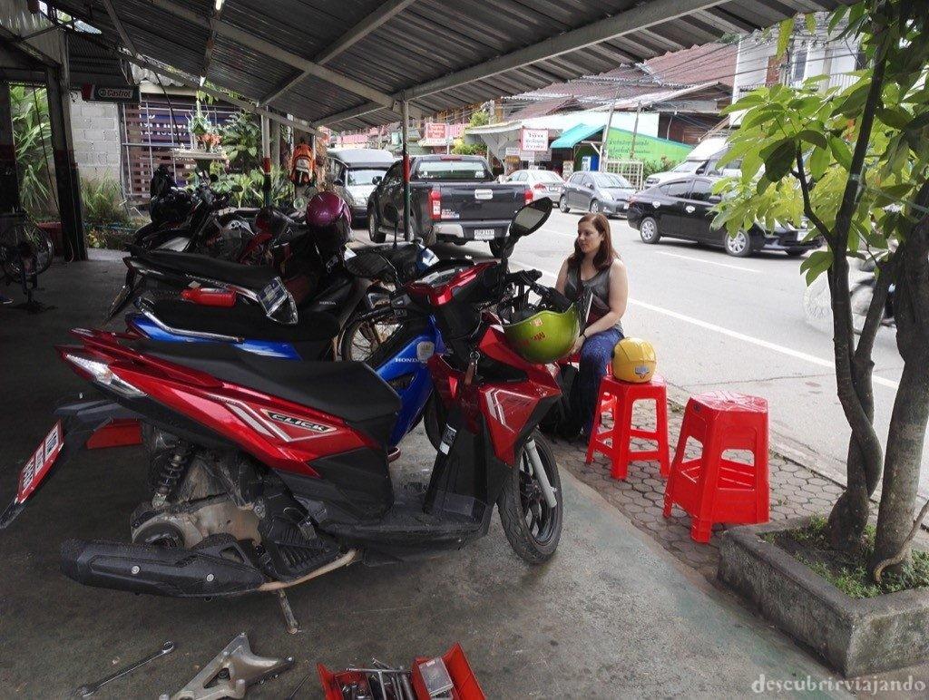 Mae-Hong-Son-mecánico-moto-1