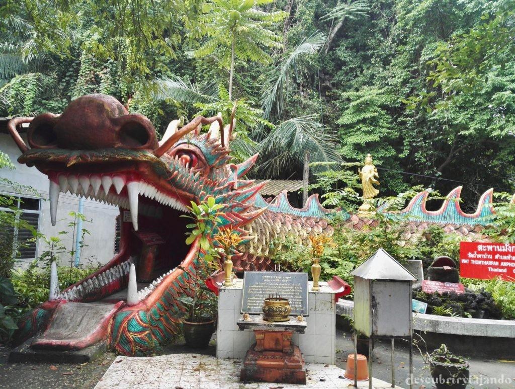 Wat-Tham-Ta-Pan