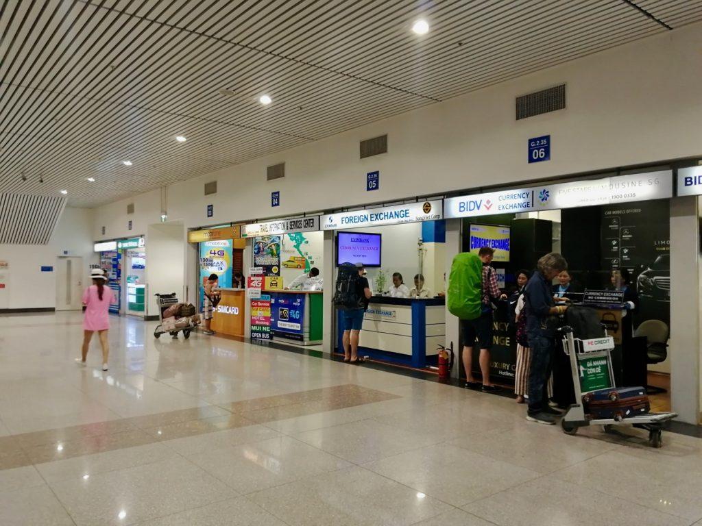 Tiendas-SIM-aeropuerto-vietnam